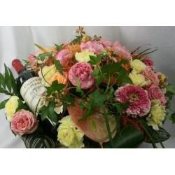 Panier fleuri et vin