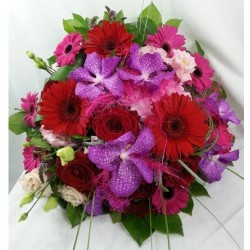 Round bouquet - Red Violet