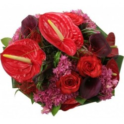 bouquet rond rouge, tiges courtes