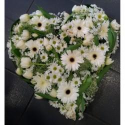 coeur de fleurs - blanches
