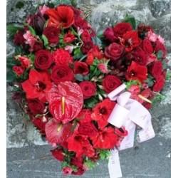 coeur de fleurs rouge